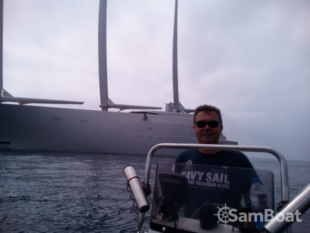 Ein Capelli Tempest 500 Work mieten in Antibes