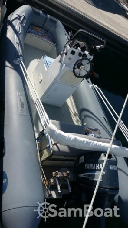 Schlauchboot mieten in Antibes zum besten Preis
