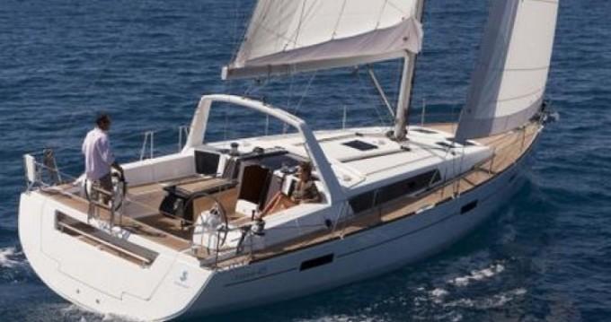 Bénéteau Oceanis 45 zwischen Privatpersonen und professionellem Anbieter Golfe-Juan