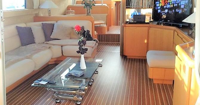 Guy Couach Guy Couach 1601 Fly zwischen Privatpersonen und professionellem Anbieter Port Grimaud