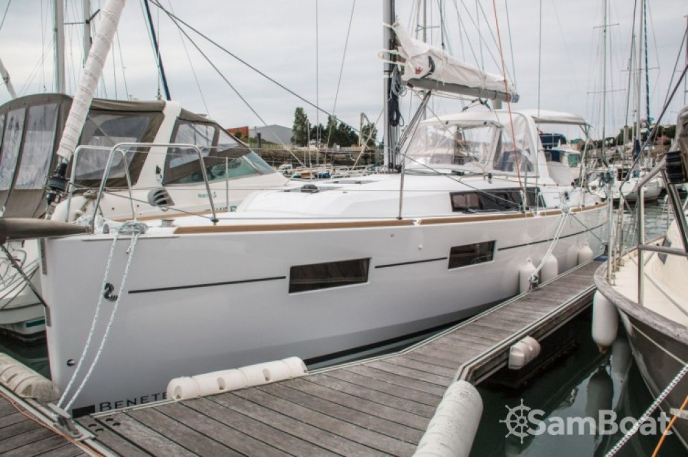 Bootsverleih Bénéteau Oceanis 35 Les Sables-d'Olonne Samboat