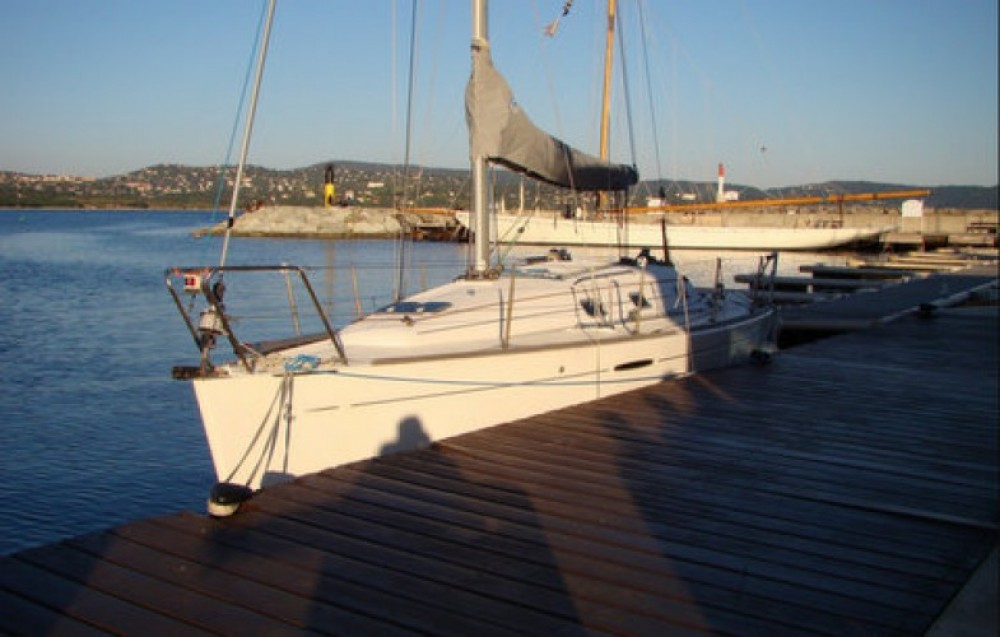 Yacht-Charter in Cavalaire-sur-Mer - Bénéteau First 31.7 auf SamBoat