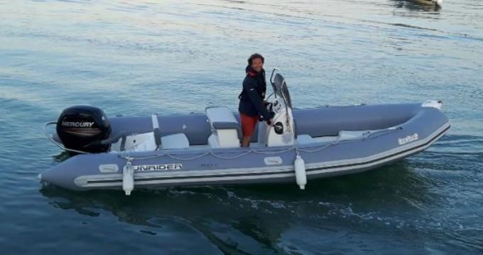 Bombard Sunrider 650 zwischen Privatpersonen und professionellem Anbieter La Flotte