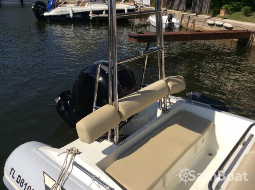 Schlauchboot mieten in Grimaud zum besten Preis