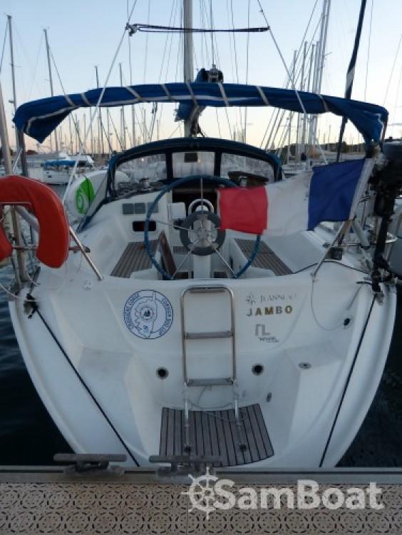 Ein Jeanneau Sun Odyssey mieten in Toulon