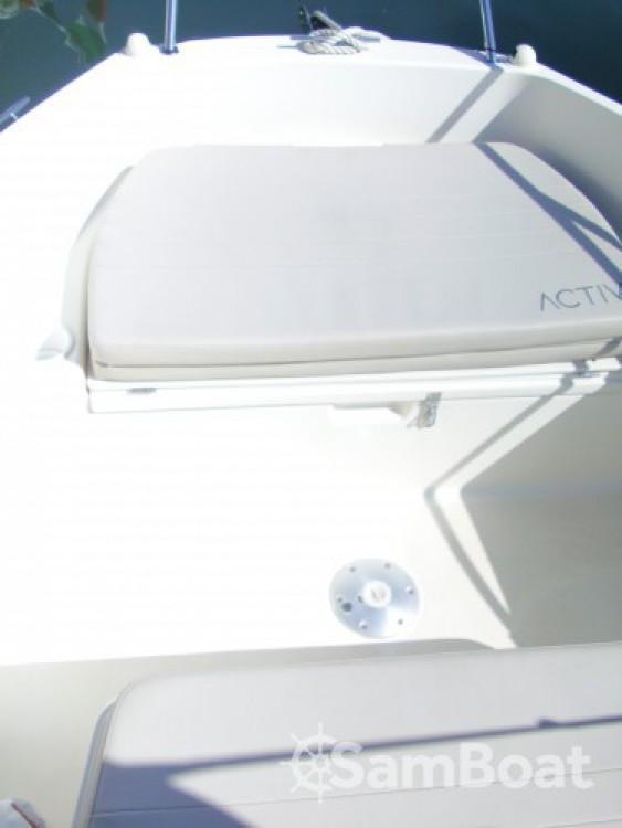 Ein Quicksilver Activ 535 Open mieten in Antibes