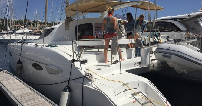 Yacht-Charter in Saint-Raphaël - Fountaine Pajot Lavezzi 40 auf SamBoat