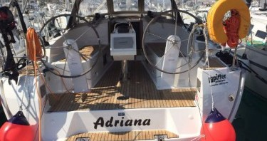 Ein Bavaria Cruiser 37 mieten in Pula