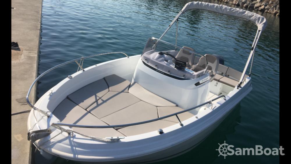 Yacht-Charter in  - Jeanneau Cap Camarat 5.5 Style auf SamBoat