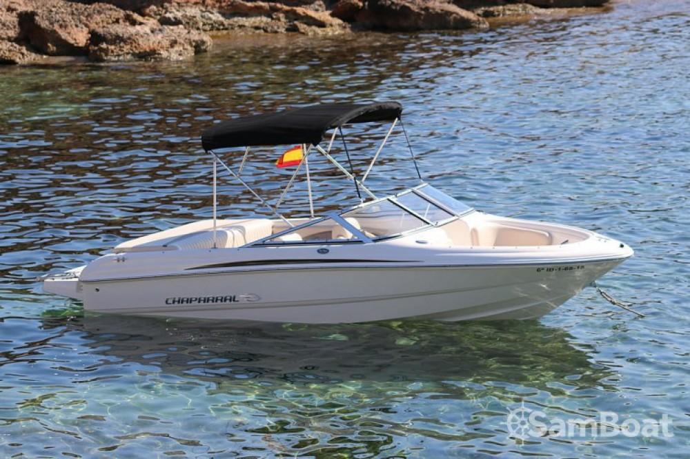 Vermietung Motorboot Chaparral mit Führerschein