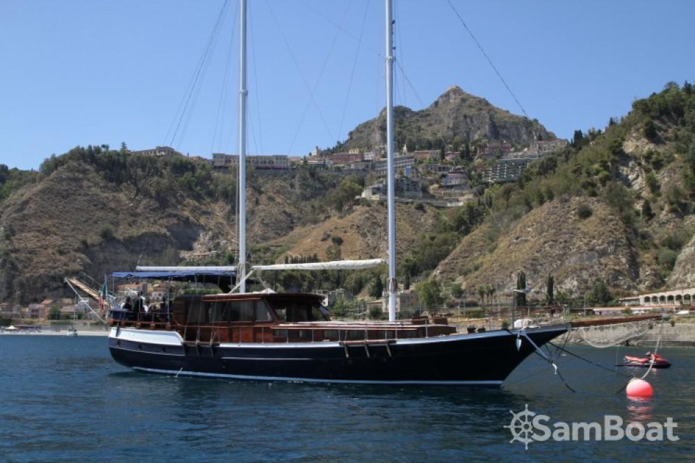 Segelboot mit oder ohne Skipper Caicco mieten in Catania