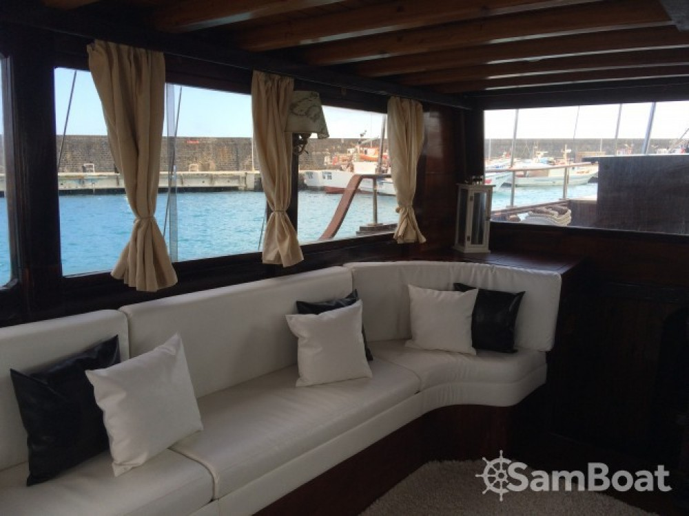Segelboot mieten in Catania zum besten Preis