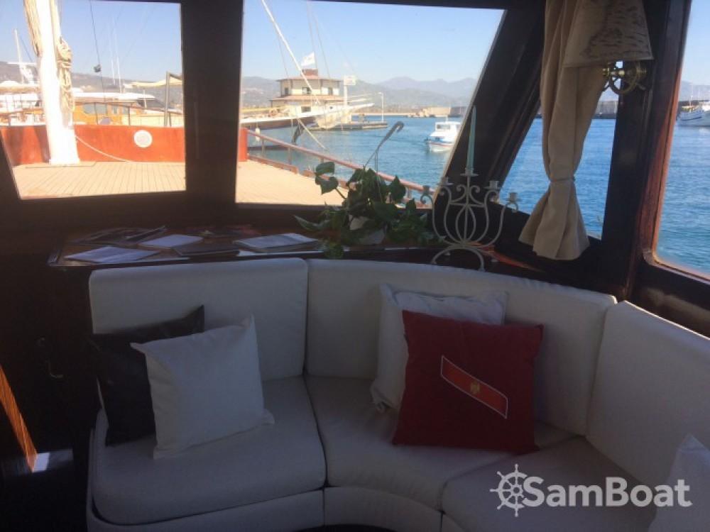 Caicco caicco zwischen Privatpersonen und professionellem Anbieter Catania