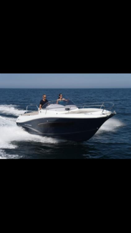 Jeanneau Cap Camarat 7.5 WA zwischen Privatpersonen und professionellem Anbieter Bord de Mer
