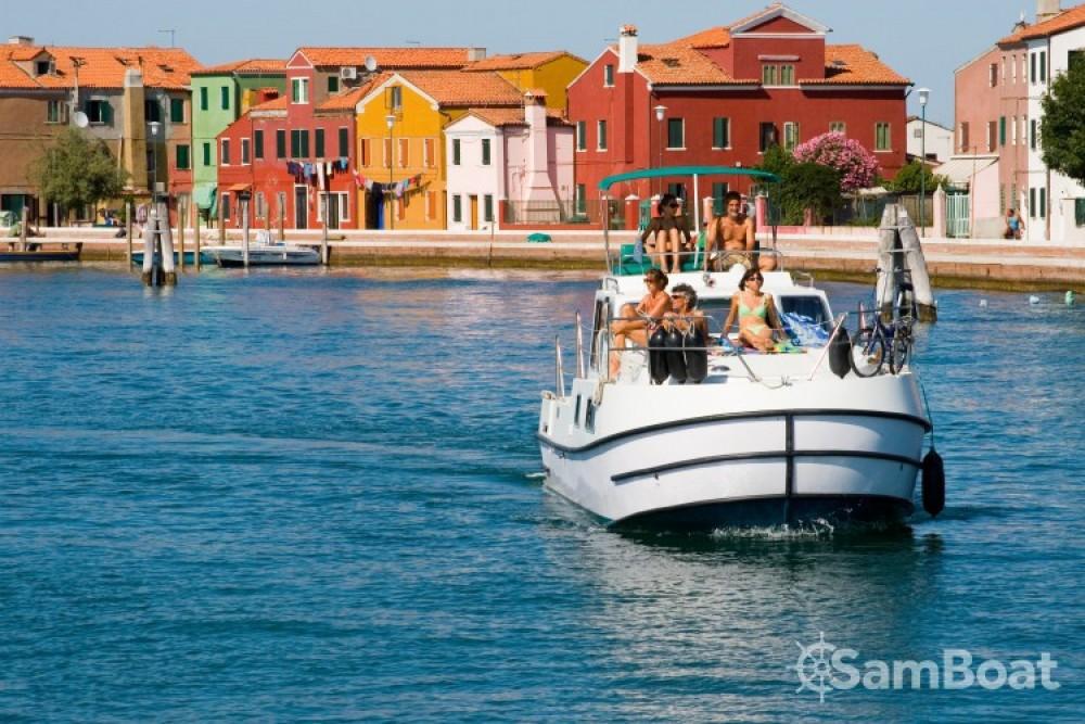 Vermietung Hausboot New-Con-Fly mit Führerschein