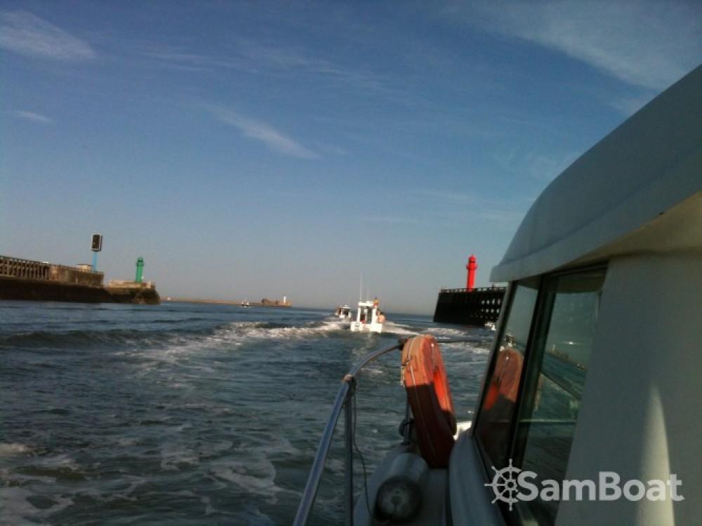 Motorboot mit oder ohne Skipper Jeanneau mieten in Boulogne-sur-Mer