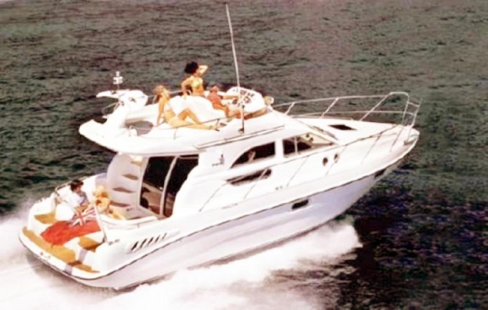Bootsverleih Sealine F 330 FLY Milazzo Samboat