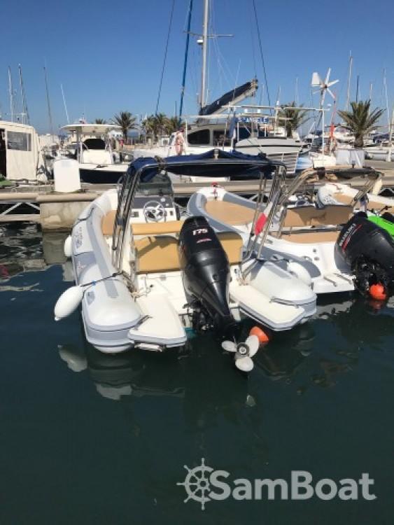 Motonautica Vesuviana MV 700 zwischen Privatpersonen und professionellem Anbieter La Ciotat