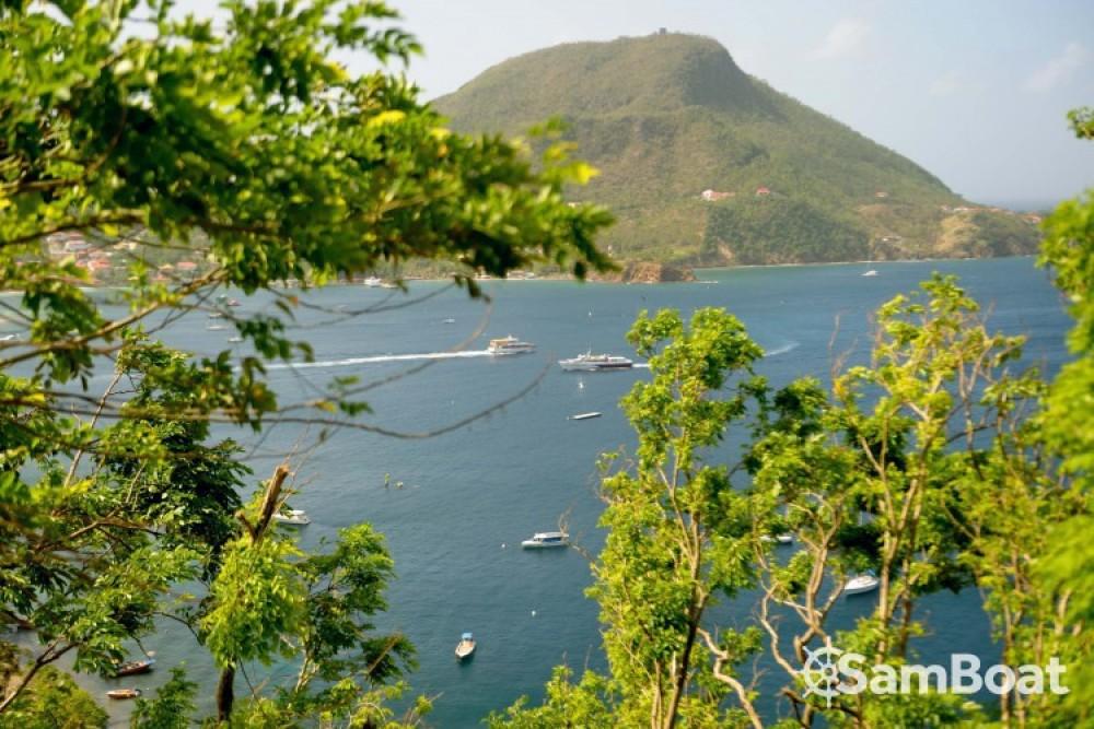 Lagoon Lagoon 380 zwischen Privatpersonen und professionellem Anbieter Basse-Terre