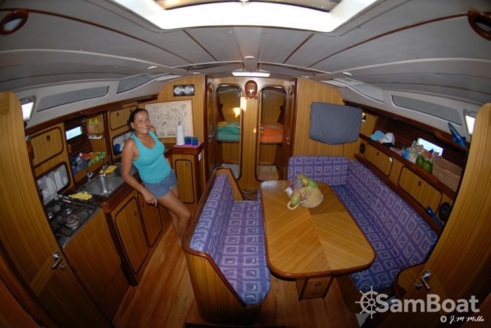 Segelboot mit oder ohne Skipper Bénéteau mieten in Bundesterritorien