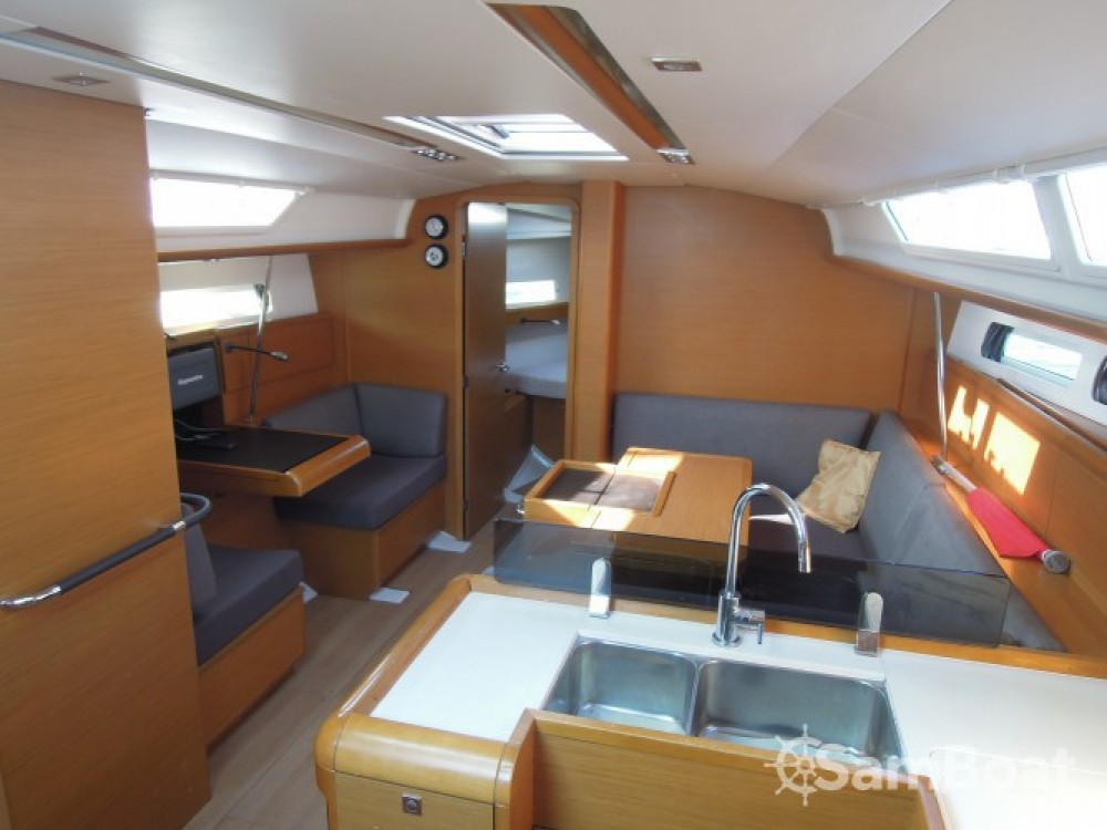 Yacht-Charter in La Trinité-sur-Mer - Jeanneau Sun Odyssey 409 auf SamBoat