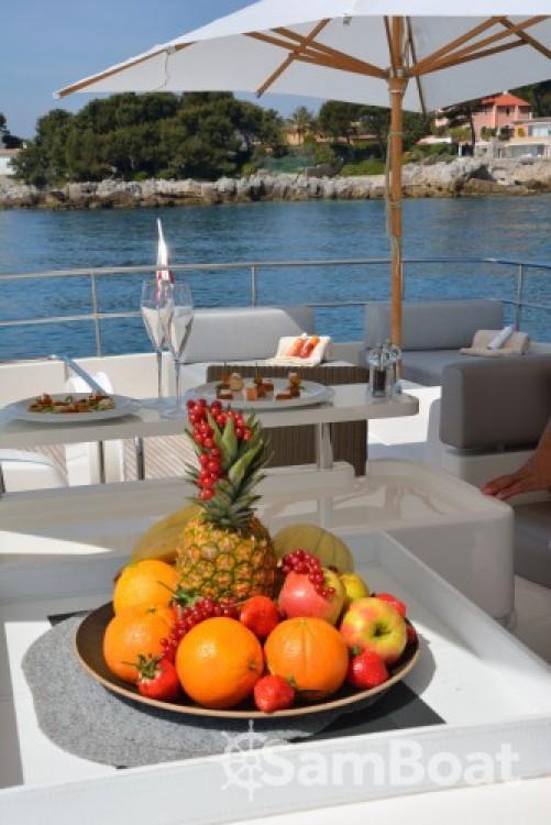 """Yachten mieten in Cannes - Ferretti 24.71 metres (81' 1"""")"""