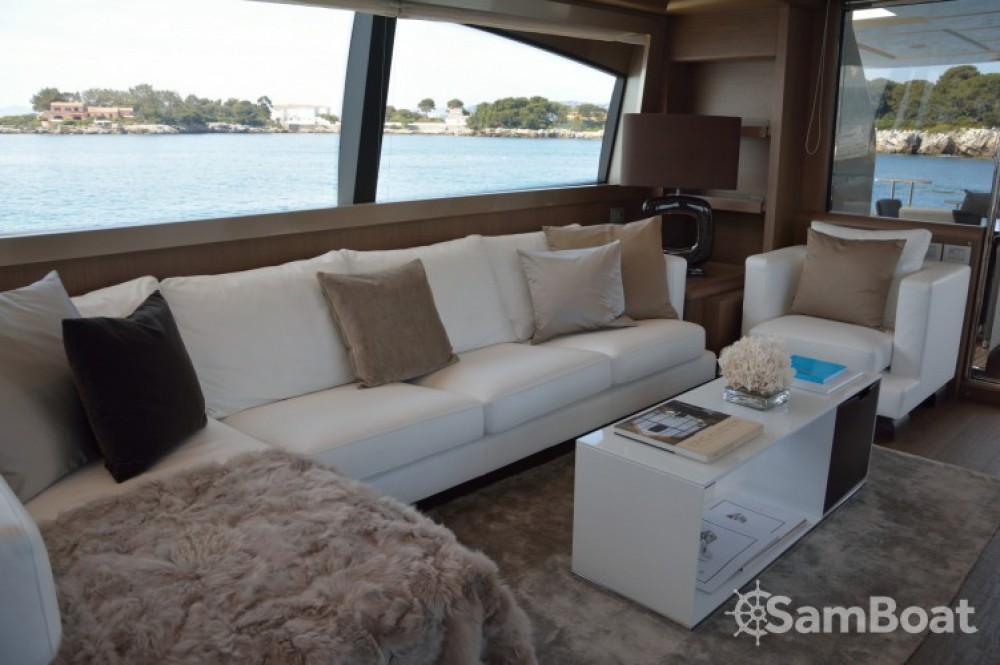 "Yacht-Charter in Cannes - Ferretti 24.71 metres (81' 1"") auf SamBoat"