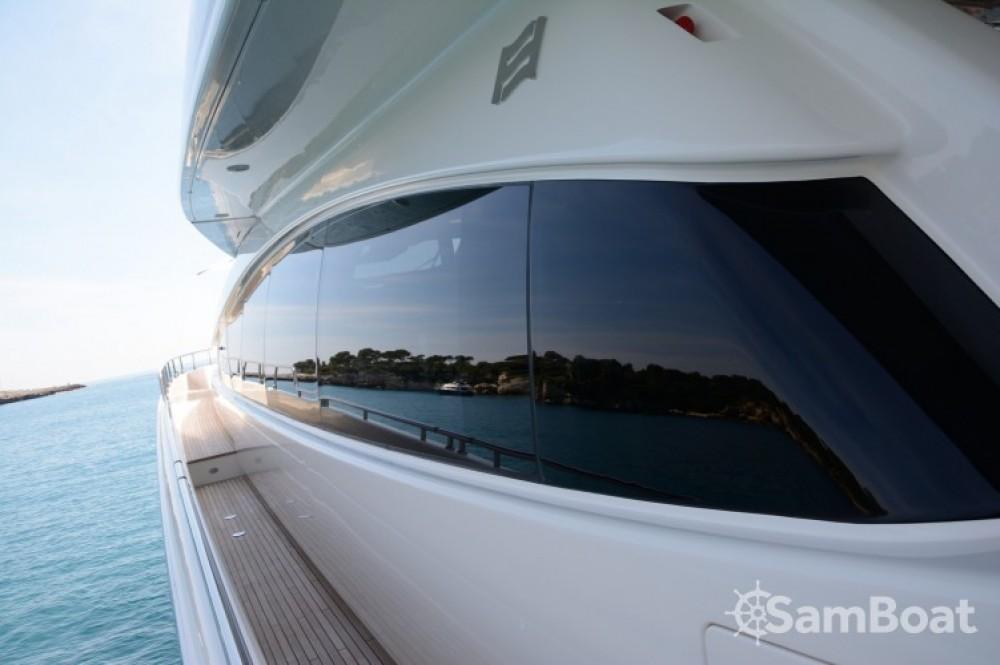 "Ein Ferretti 24.71 metres (81' 1"") mieten in Cannes"