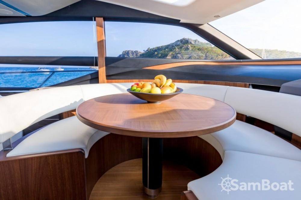 "Yacht-Charter in Saint-Tropez - Princess 22.60 metres (74' 2"") auf SamBoat"