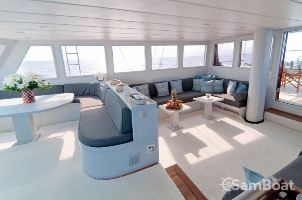 Custom 32.00 metres (105') zwischen Privatpersonen und professionellem Anbieter Cannes