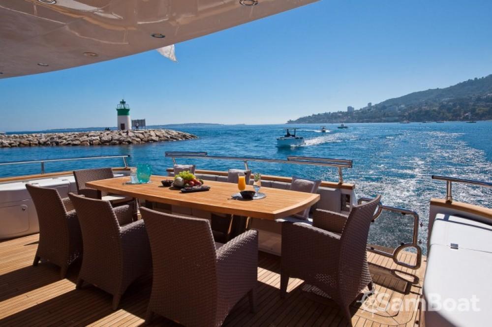 """Maiora 28.70 metres (94' 2"""") zwischen Privatpersonen und professionellem Anbieter Cannes"""