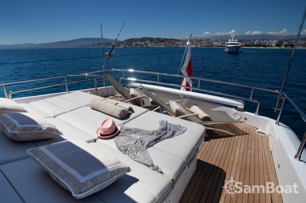 Yachten mieten in Cannes zum besten Preis