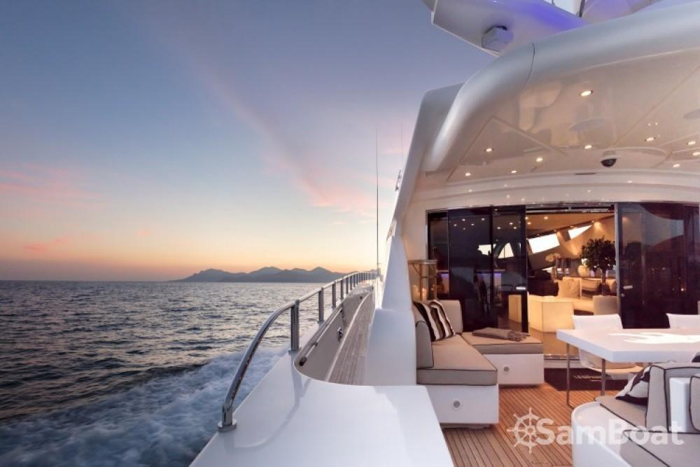 "Bootsverleih Cannes günstig 34.11 metres (111' 11"")"
