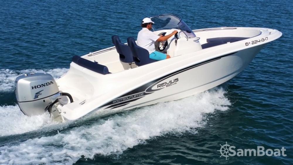 Motorboot mit oder ohne Skipper Remus mieten in Real Club Náutico