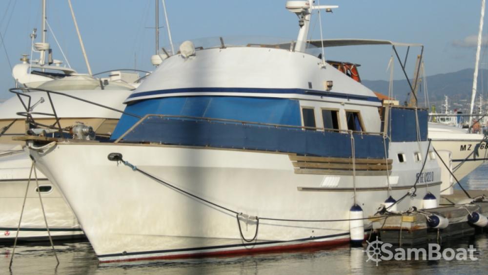Motorboot mit oder ohne Skipper Trawler mieten in Milazzo