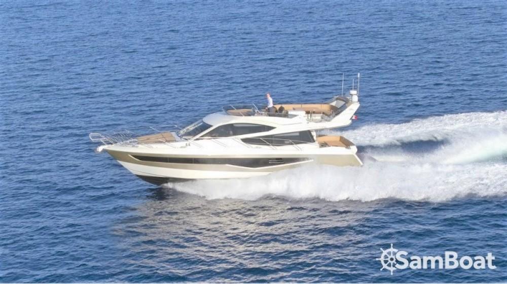 Galeon 550 FLY zwischen Privatpersonen und professionellem Anbieter Saint-Raphaël