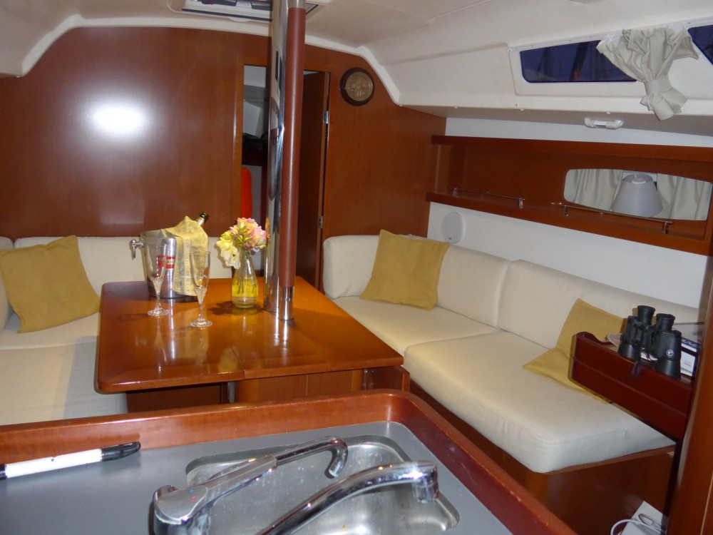 Segelboot mit oder ohne Skipper Bénéteau mieten in Toulon