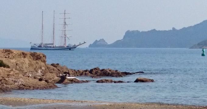 Bénéteau Oceanis 34 Elegance zwischen Privatpersonen und professionellem Anbieter Toulon
