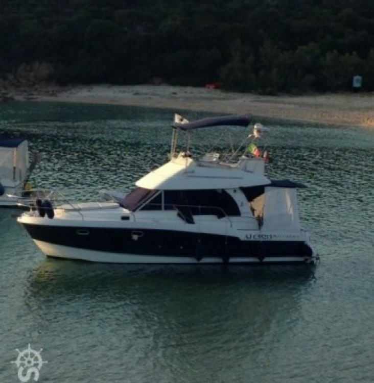 Yacht-Charter in  - Bénéteau Antares 980 auf SamBoat