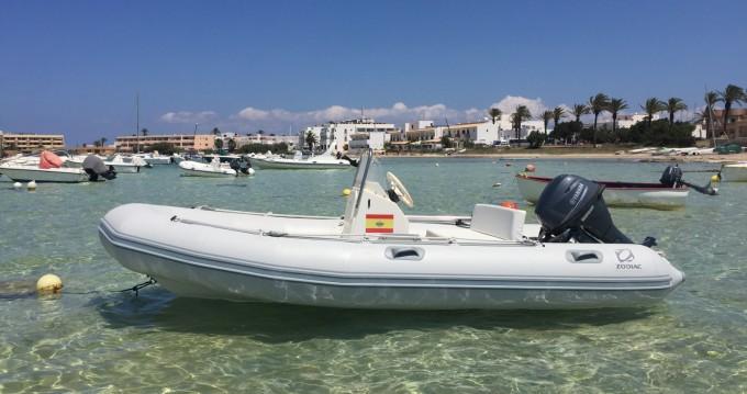 Zodiac Zoom zwischen Privatpersonen und professionellem Anbieter Formentera