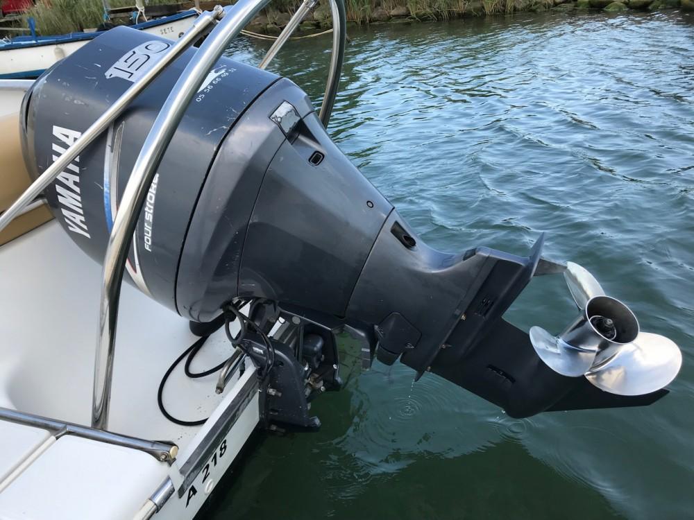 Ein Sessa Marine Key Largo 22 Deck mieten in