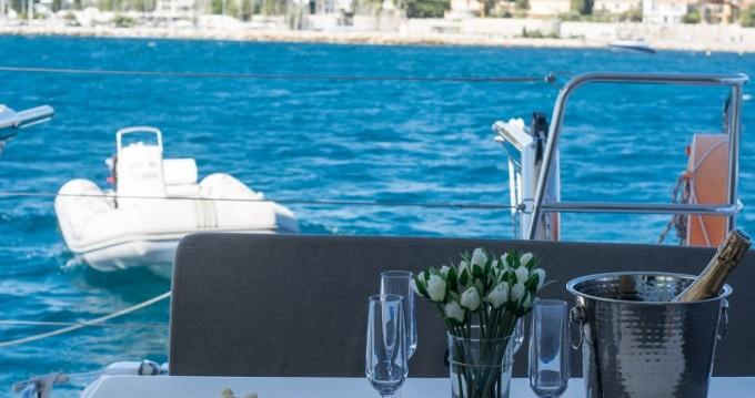 Lagoon Lagoon 40 Motor Yacht zwischen Privatpersonen und professionellem Anbieter Cannes