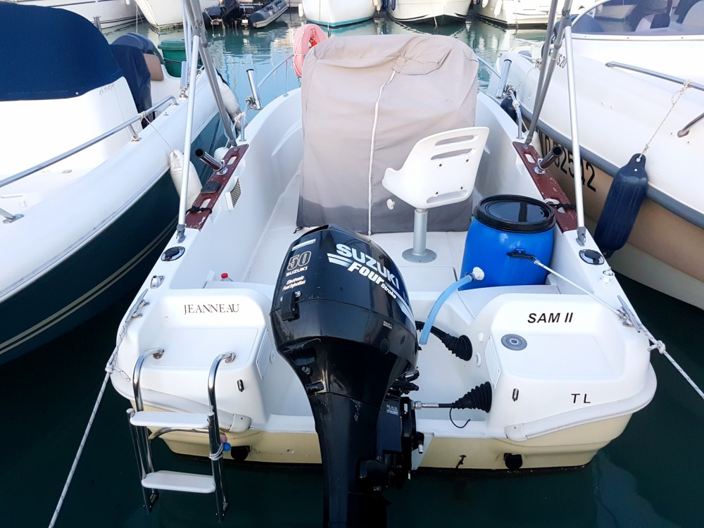 Motorboot mieten in Saint-Laurent-du-Var - Jeanneau Cap Camarat 515