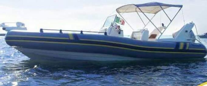 Schlauchboot mit oder ohne Skipper Marlin Boat mieten in Golfo Aranci