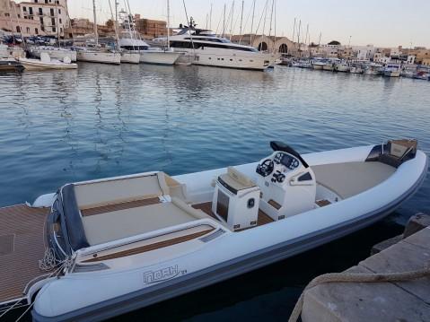 Schlauchboot mit oder ohne Skipper Noah mieten in Trapani
