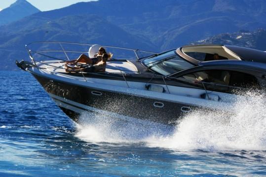 Jeanneau Prestige 42 S zwischen Privatpersonen und professionellem Anbieter Sanremo