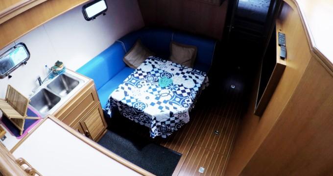 Motorboot mit oder ohne Skipper Caterpillar mieten in Saint-Laurent-du-Var