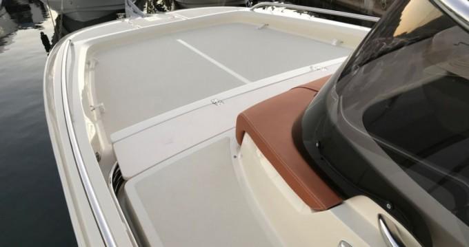 Bootsverleih Saint-Laurent-du-Var günstig Invictus 280 CX