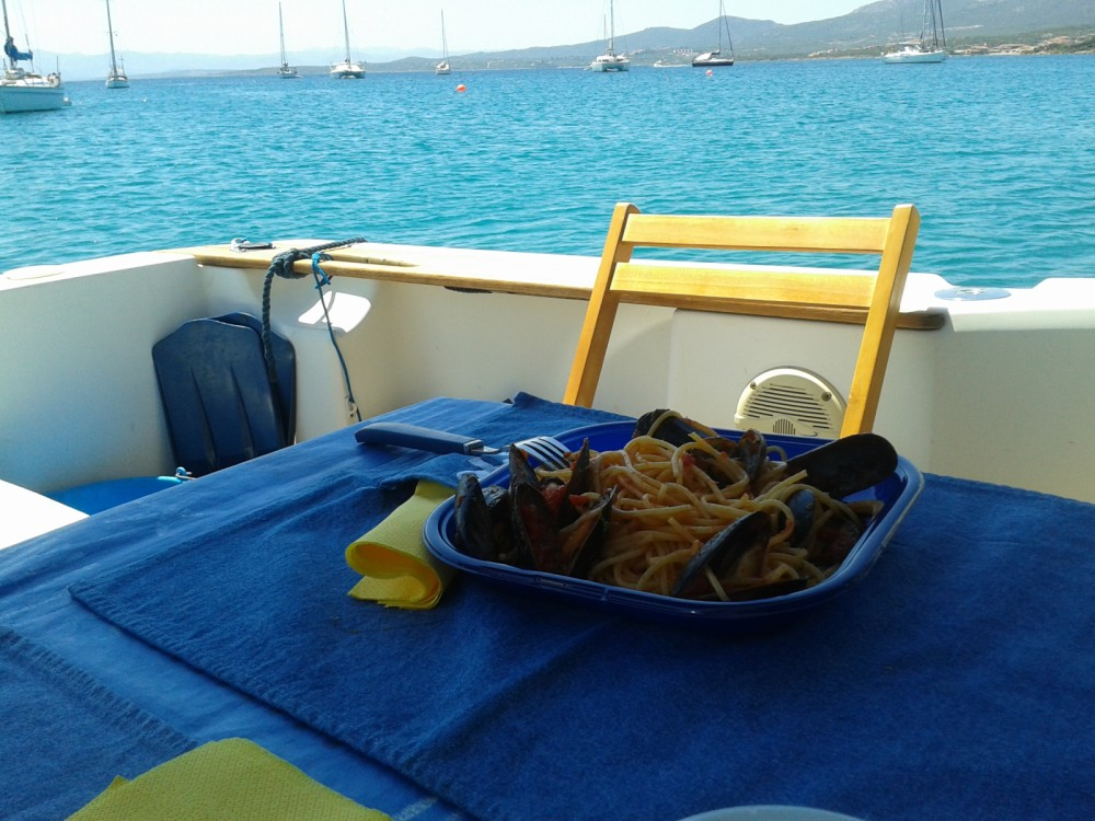 Ein Sessa Marine Dorado 26 mieten in Olbia