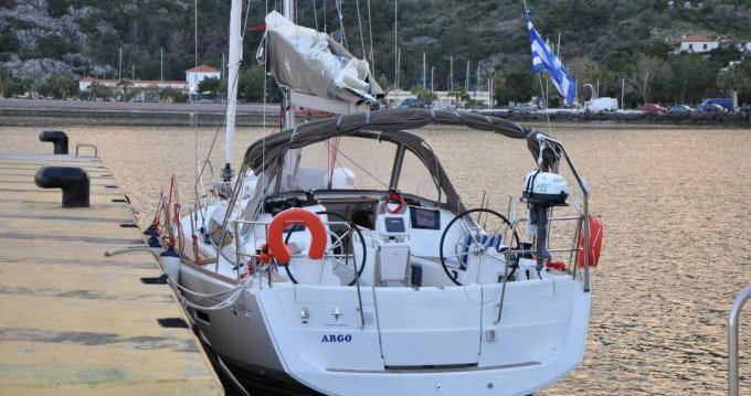 Jeanneau Sun Odyssey 379 zwischen Privatpersonen und professionellem Anbieter Athen
